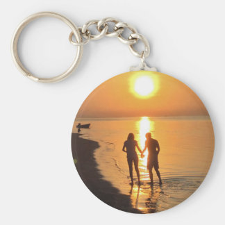 Two lovers at sunrise keychain