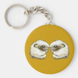 two mice kissing keychain