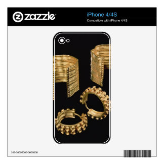 Two open facetted bracelets and a pair of earrings skin for the iPhone 4