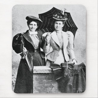 Two Victorian women, 1898 Mouse Pad