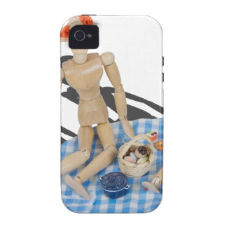 TwoPeoplePicnicBasketGinghamBlanket042014.png Case-Mate iPhone 4 Cover
