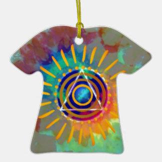 Tyedye espiritual adorno de cerámica en forma de camiseta
