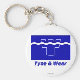 Tyne y bandera del desgaste con nombre llaveros personalizados