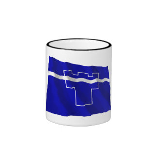 Tyne y bandera que agita del desgaste tazas de café