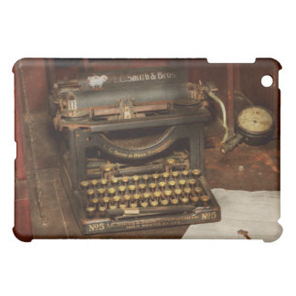 Typewriter - My bosses office iPad Mini Cover