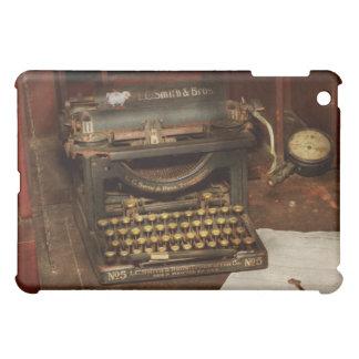 Typewriter - My bosses office iPad Mini Cover