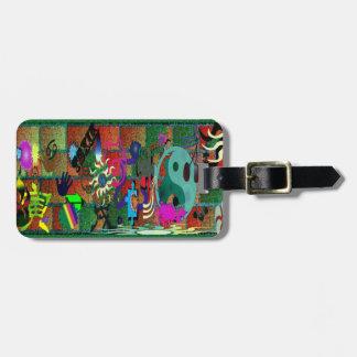 U-pick Color/ Graffiti Art on Brick Wall Luggage Tag
