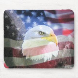 U.S.A. Eagle y bandera Tapetes De Raton