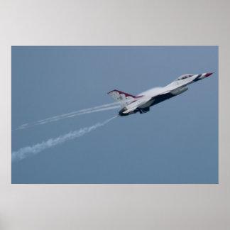 U.S.A.F. Thunderbird #6 que crea rastros del vapor Póster