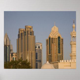 UAE, Dubai. Alminar de la mezquita en el Al Wasl,  Póster