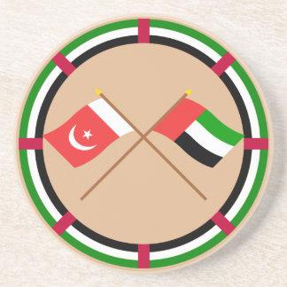 UAE y Umm banderas cruzadas al-Quwain Posavasos Diseño