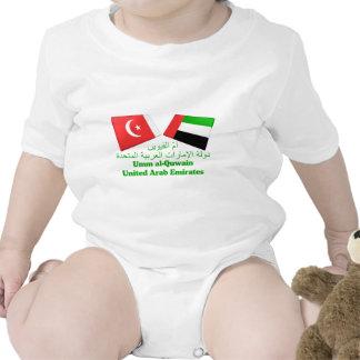 UAE y Umm tejas de la bandera del al-Quwain Trajes De Bebé