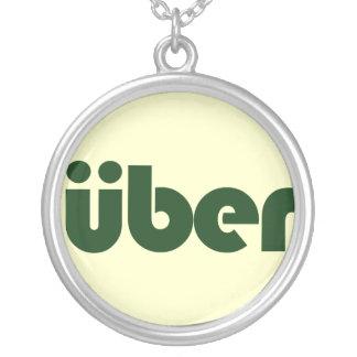 uber collar plateado