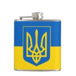Ucrania Trident en bandera amarilla y azul