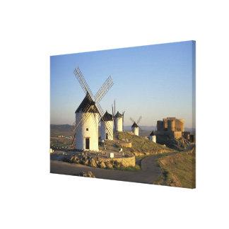 UE, España, La Mancha, Consuegra. Molinoes de Lienzo Envuelto Para Galerias