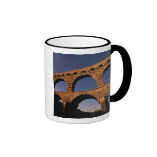 UE, Francia, Provence, Gard, Pont du Gard. 4 Taza De Dos Colores