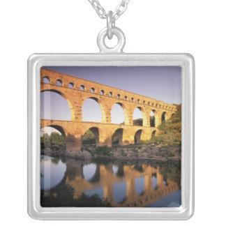 UE, Francia, Provence, Gard, Pont du Gard Colgante Cuadrado