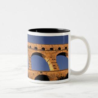 UE, Francia, Provence, Gard, Pont du Gard. Romano Taza De Café De Dos Colores