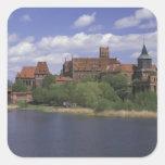 UE, Polonia, Pomerania, Malbork. Europa Pegatina Cuadrada