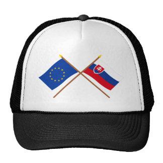 UE y banderas cruzadas Eslovaquia Gorro