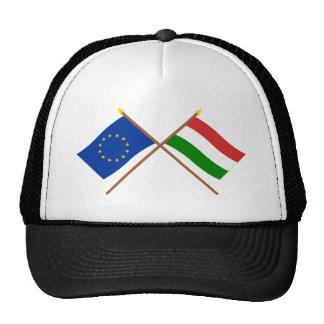 UE y banderas cruzadas Hungría Gorros