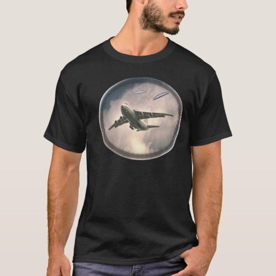 ufo chase T-Shirt