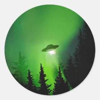 UFO con la aurora boreal Pegatina Redonda