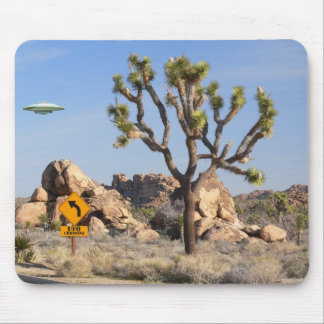 UFO Crossing Mouse Pad