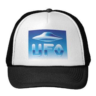 UFO en el cielo con la abreviatura Gorro De Camionero