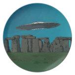 UFO en Henge de piedra Plato Para Fiesta
