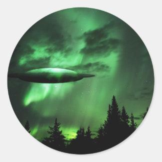 UFO en nubes verdes Pegatina Redonda
