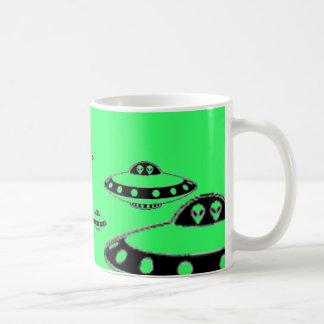 UFO INVASION! COFFEE MUG