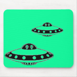 UFO INVASION! MOUSE PAD