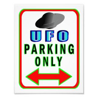 UFO que parquea solamente Fotografías