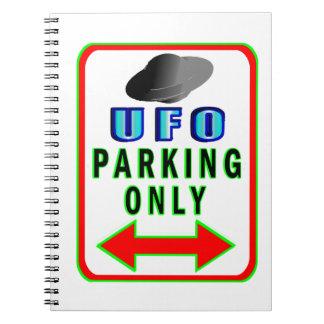 UFO que parquea solamente Libros De Apuntes