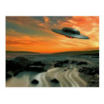 UFO sobre costa Postales