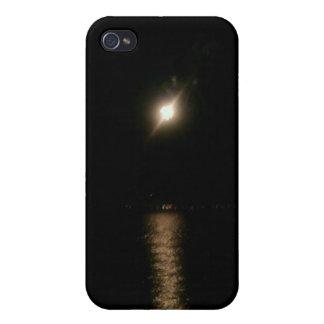 UFO sobre el agua iPhone 4 Fundas