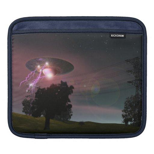 UFO sobre la manga del carrito de las líneas eléct Fundas Para iPads