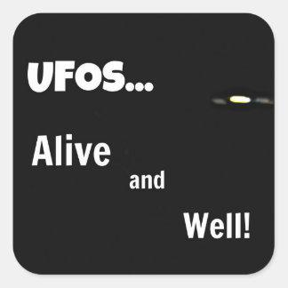 ¡UFOS vivo y bien Calcomanía Cuadrada Personalizada