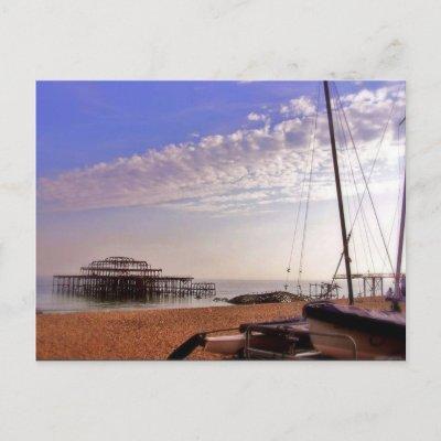 (UK) Old Brighton Pier Postcard postcard