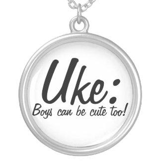 Uke: ¡Los muchachos pueden ser lindos también! Colgante Redondo