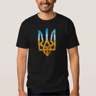 Ukrainian tryzub background of wheat and blue sky tee shirt
