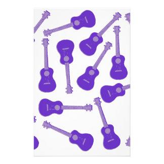 Ukuleles púrpuras  papeleria de diseño