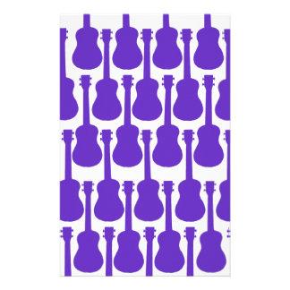 Ukuleles púrpuras papelería personalizada
