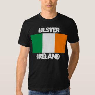 Ulster, Irlanda con la bandera irlandesa Remera