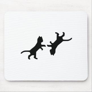 Última pelea de gatos - maullido tapete de ratón