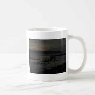 Última tarde de los inviernos de los pantanos de taza clásica