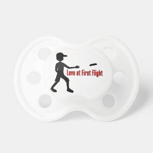 Último amor del disco volador en el primer vuelo chupetes de bebé