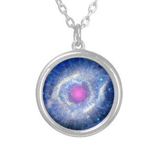 Ultravioleta de la nebulosa de la hélice collares personalizados