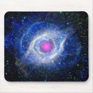 Ultravioleta de la nebulosa de la hélice alfombrillas de ratón